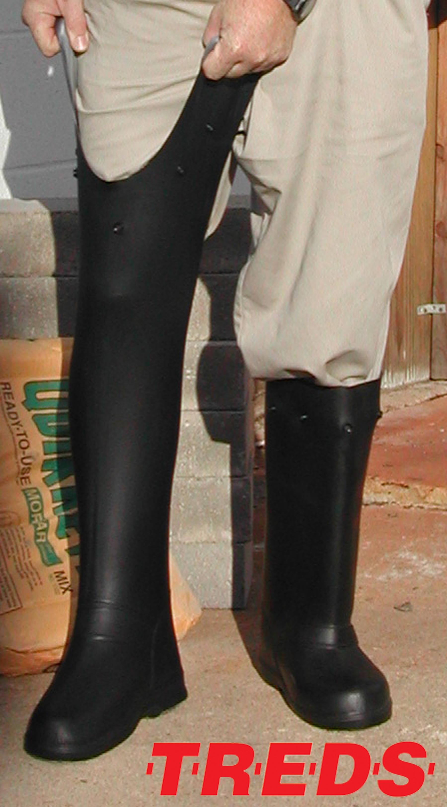 Advantage Products Corp Introduces Treds 17 Quot Slush Boots