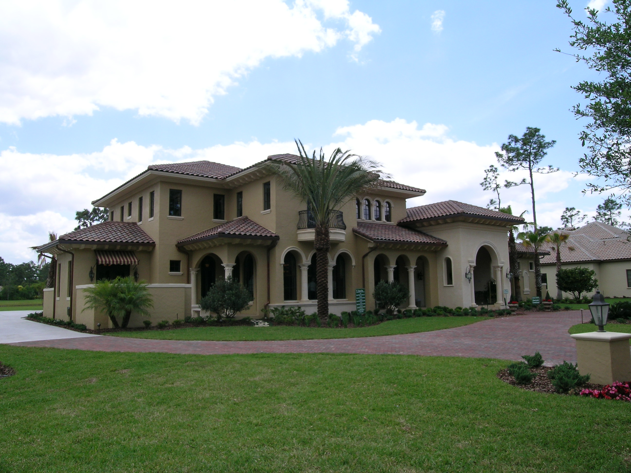Orlando luxury homes sales on the rise for Upscale homes