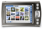SplashPhoto turns handheld computers into mobile digital picture frames.