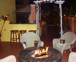 Romantic Fire Place & the Beach Just Steps Away -- Love is in the Air at Villa Sinclair