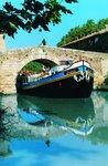 Anjodi under canal du Midi bridge