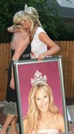 Mrs. Jennifer Palmieri, the outgoing Mrs. Texas queen, shows gratitude after receiving gift from Canvas Artist, at her farewell party after the Mrs. Texas 2005 contest.