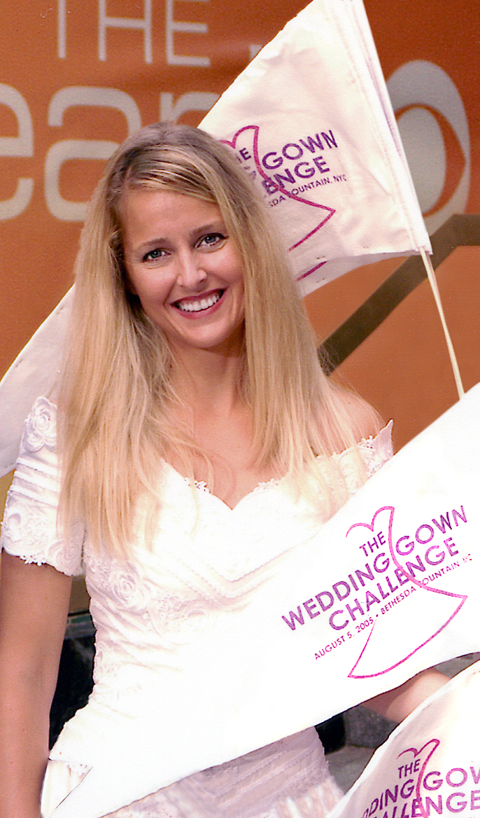 http://ww1.prweb.com/prfiles/2006/05/10/384281/WeddingGownChallengeMeMeRoth.jpg