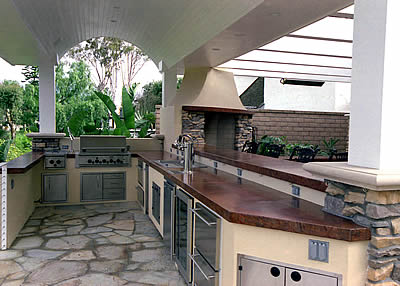 Outdoor Kitchens Offer Easy, Back Yard Entertaining for the