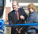 Morrisville Mayor Jan Faulkner and K. Hovnanian Homes Raleigh Division President Mike Reiser cutting the ribbon at the Providence Place Grand Opening Event.
