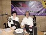 Les Minkus doing a KidsDadsMoms radio show