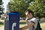 La Tarjeta Telefónica Virtual 4x1 brinda acceso a llamadas de descuento desde teléfonos en cualquier locación mundial.