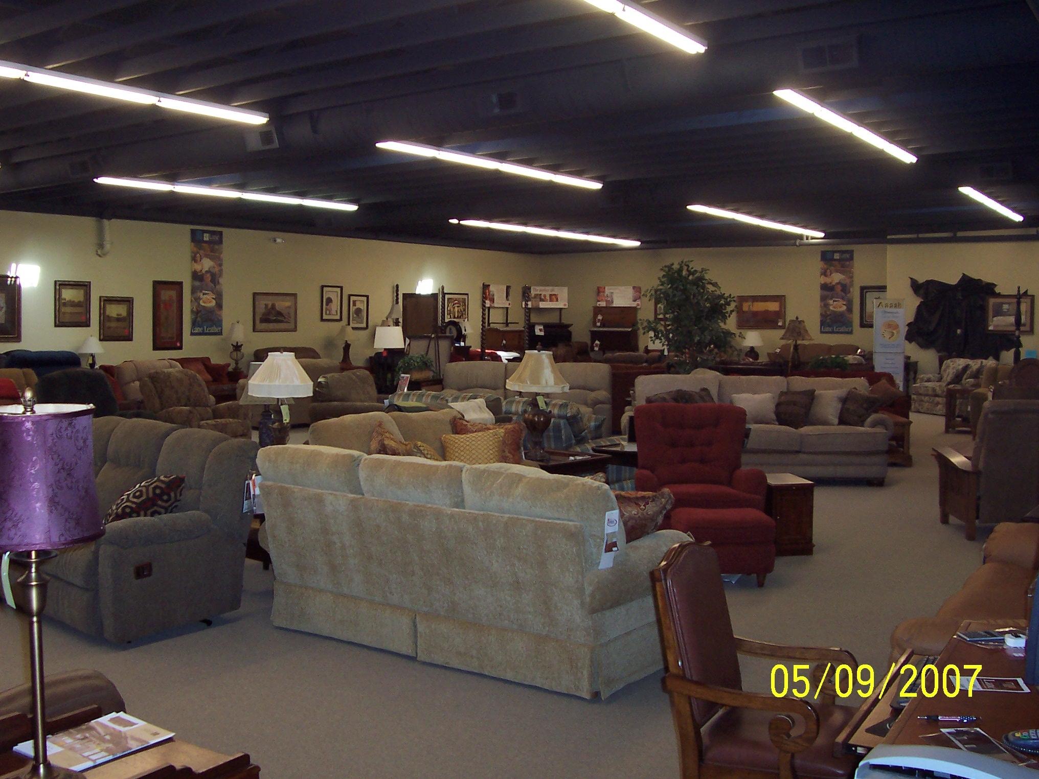 Cascade Furniture ShowroomSample Of Cascade Furnitureu0027s Showroom Floor.  Wholesale Furniture Brokers