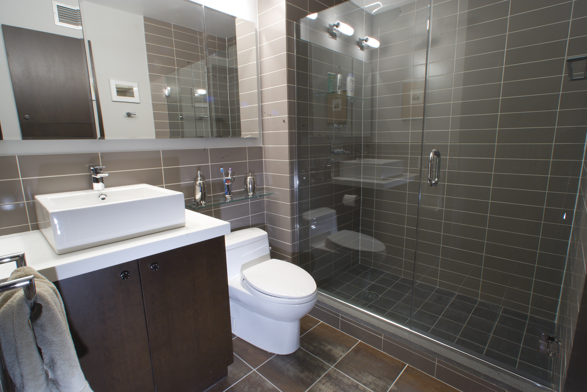 Urban homes inc wins remodeling award 2007 best project for Urban bathroom ideas