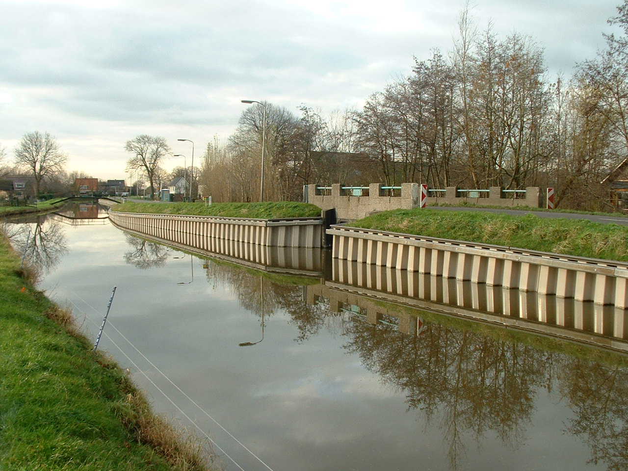 Revolutionary Composite Sheet Piling Used For Dike Repair