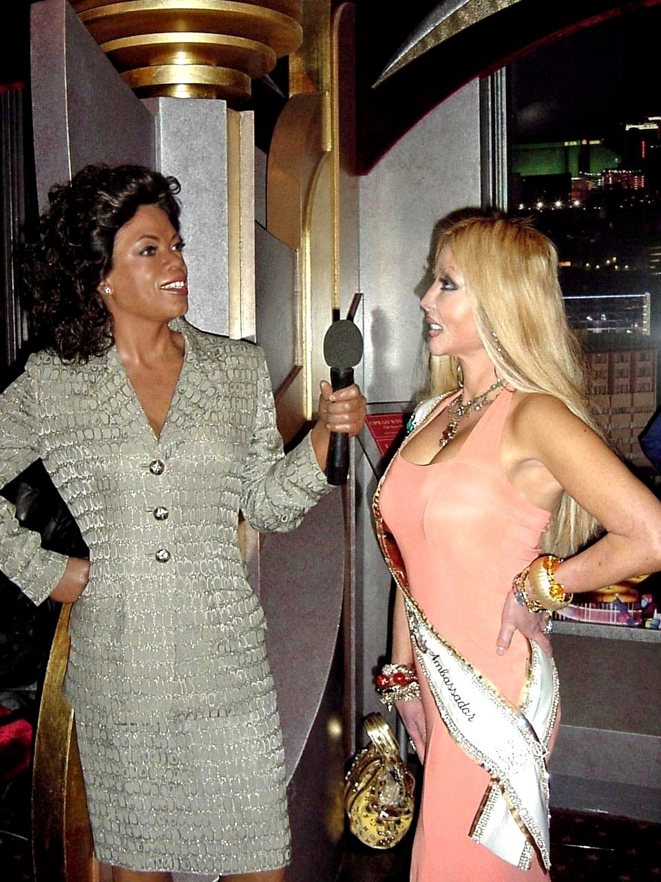 http://ww1.prweb.com/prfiles/2008/01/31/361714/Oprah.jpg