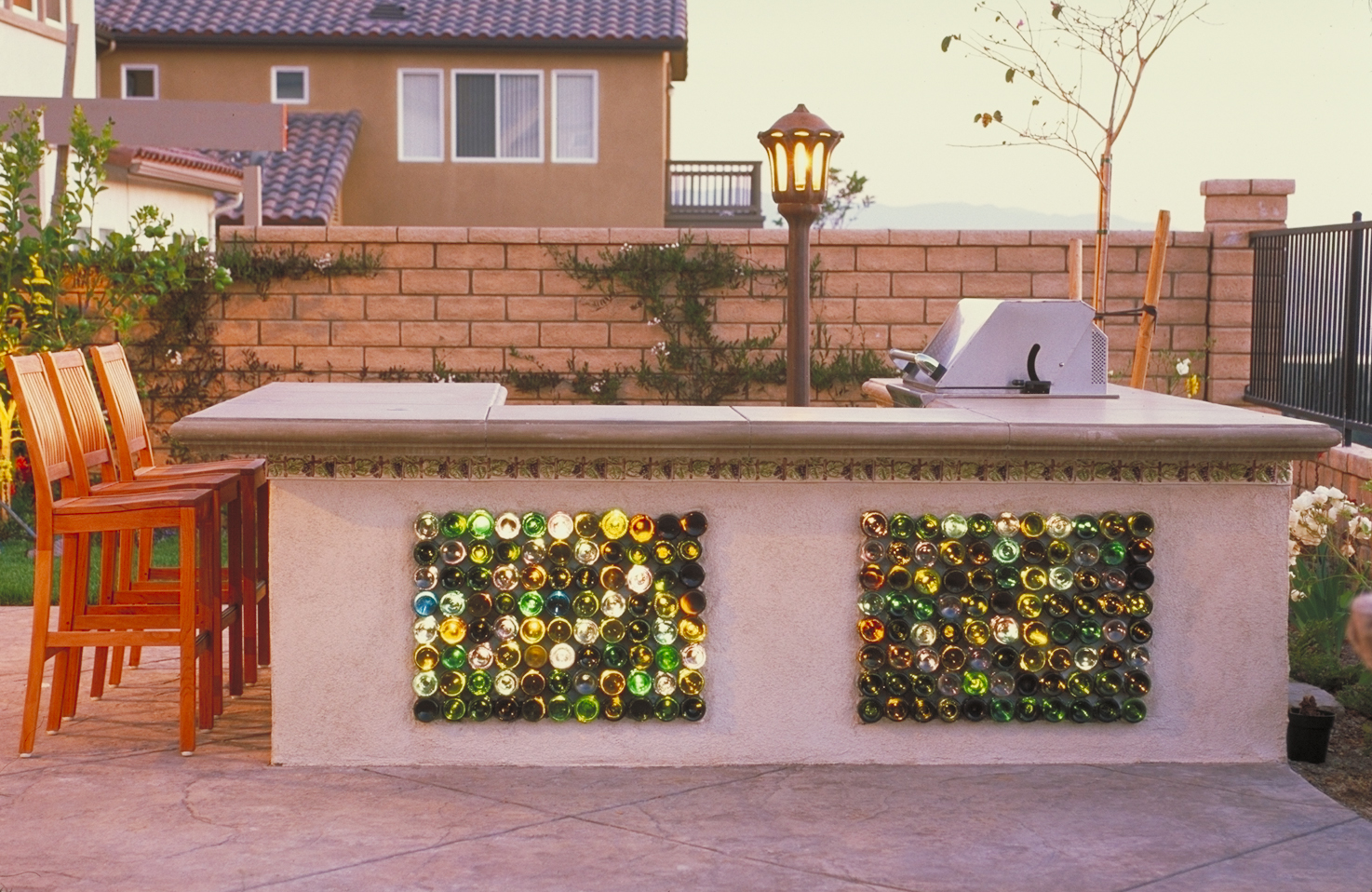 California garden artist creates stunning water features for Kitchen garden decoration