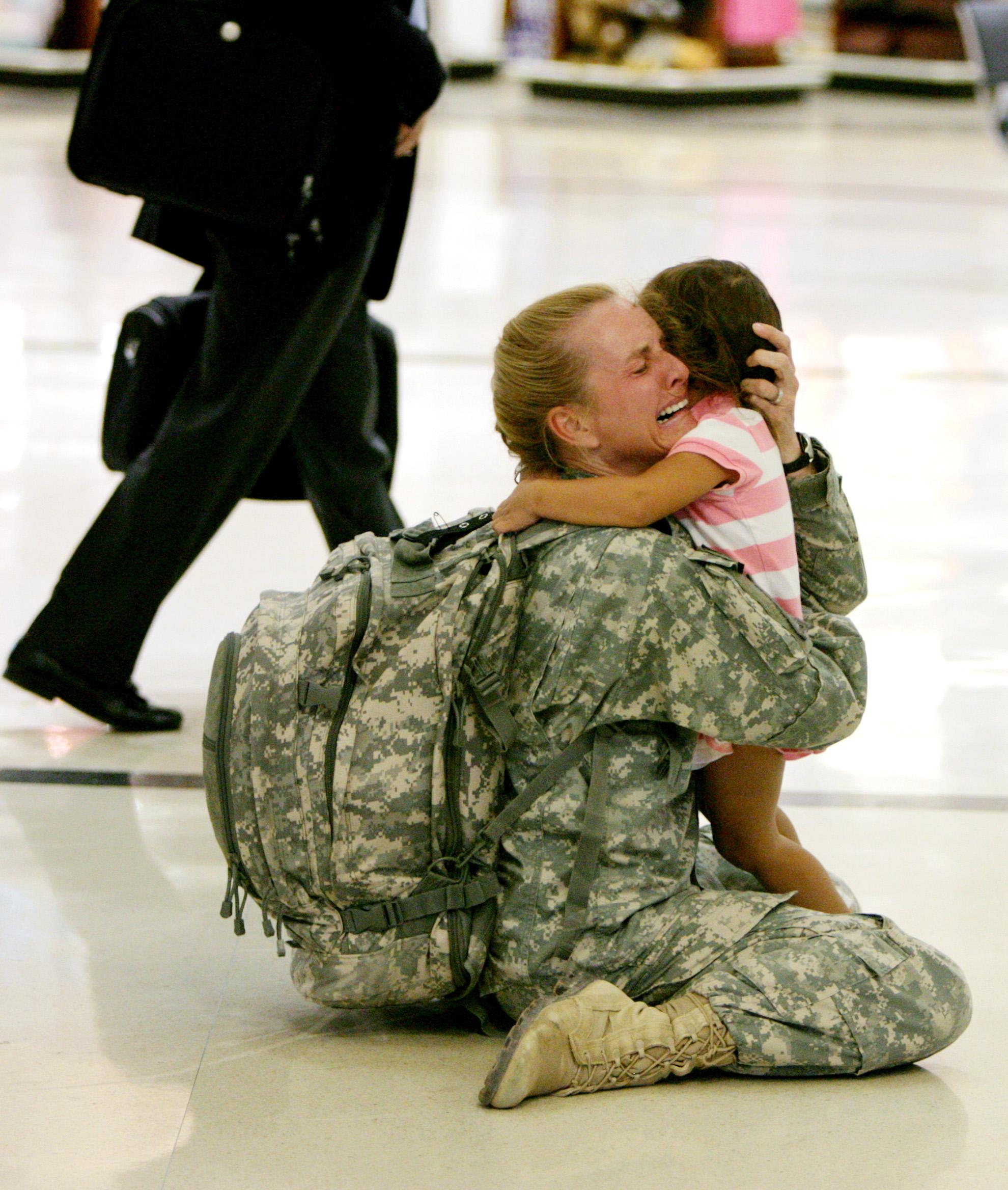 Фото мама с сыном солдатом 24 фотография