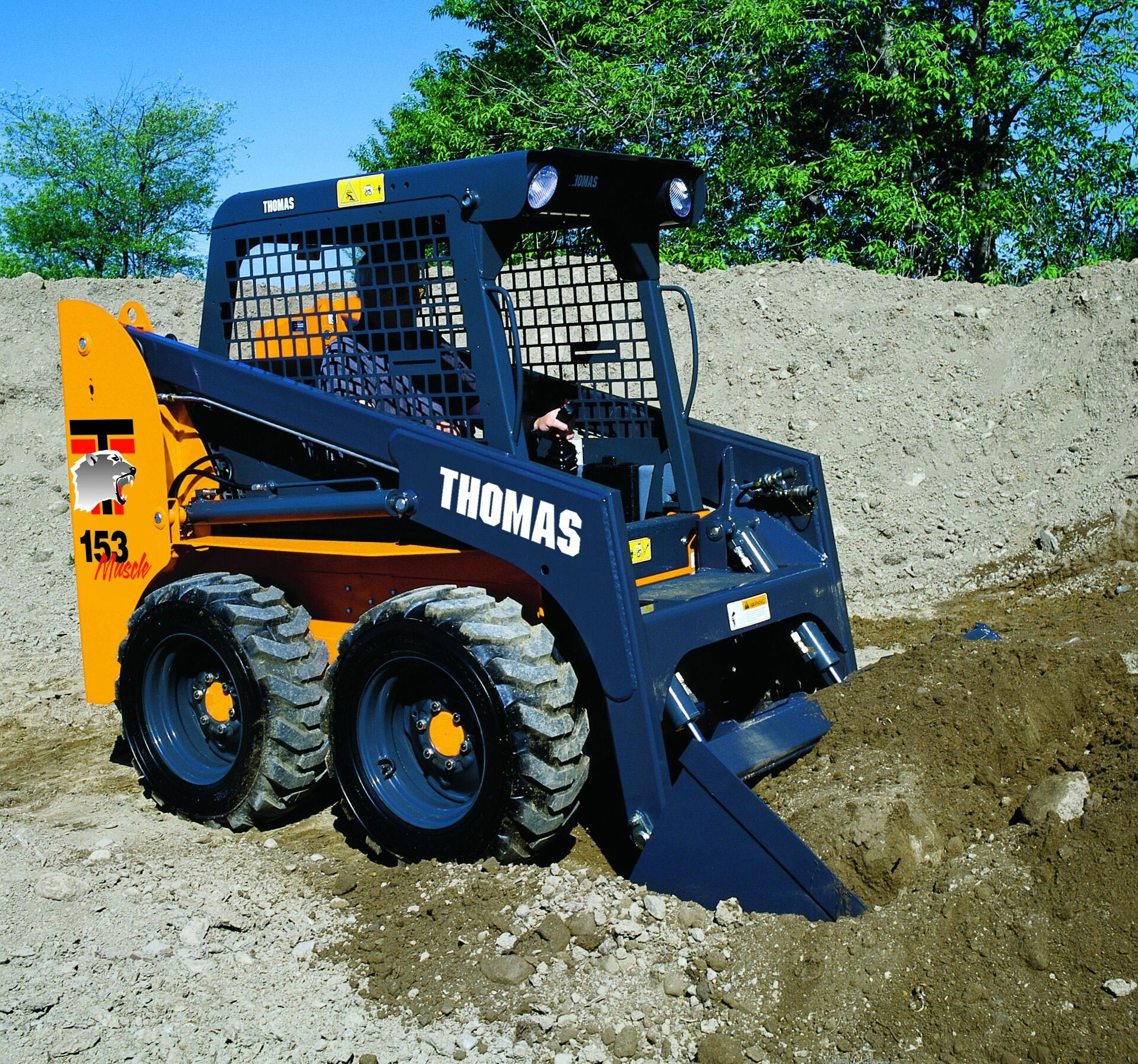 Farmfest 2008 In Minnesota Showcases Thomas Skid Steer Loaders
