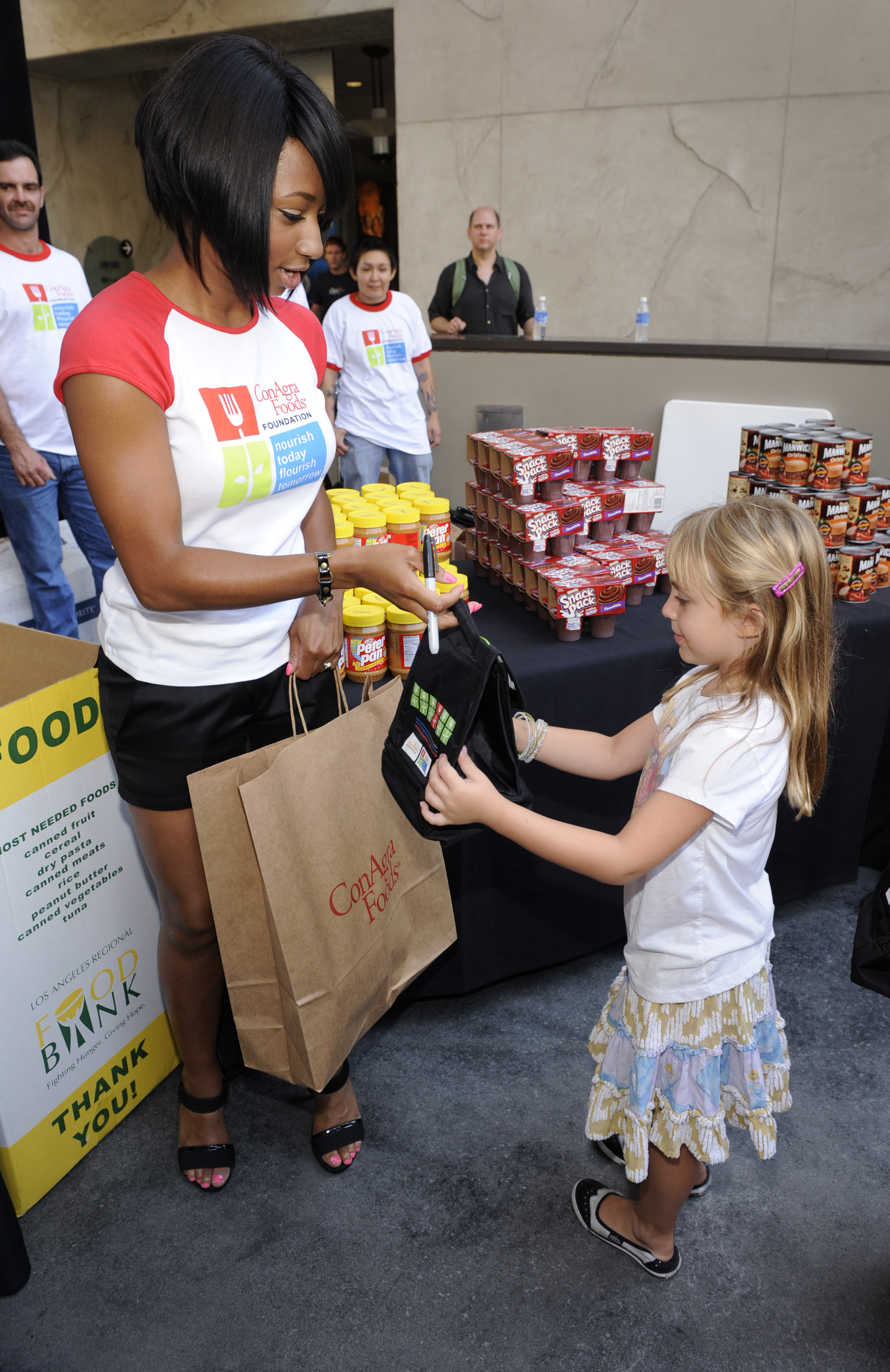 Actress Monique Coleman Joins America 39 S Second Harvest And