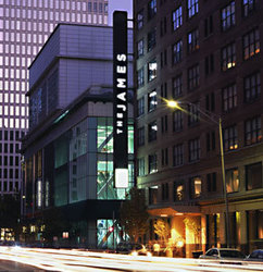 Celebrate best available downtown chicago luxury boutique for Best hotel chicago downtown