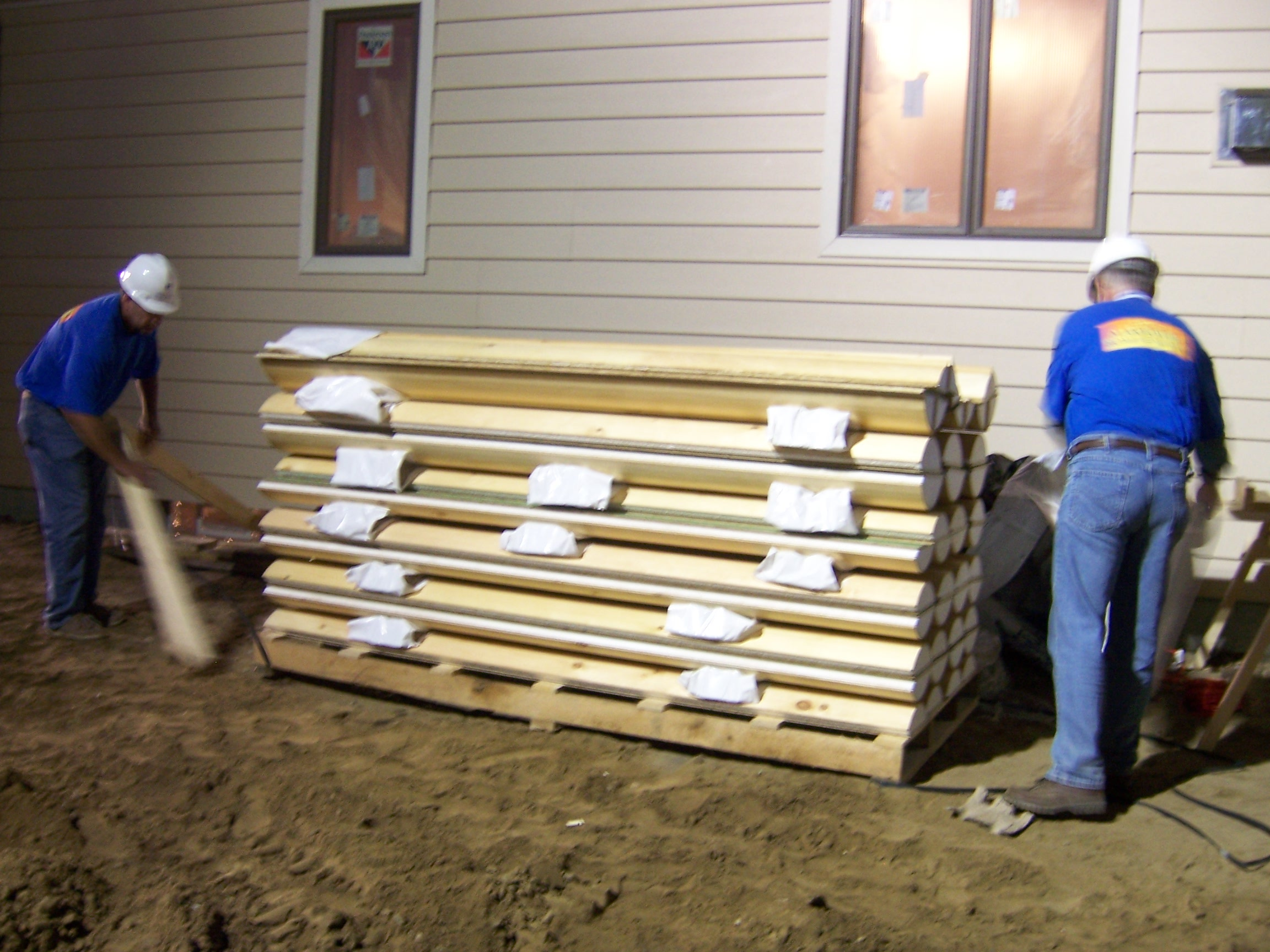 Abc 39 s extreme makeover home edition uses e log log siding E log siding