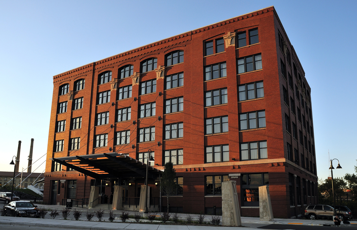 The Iron Horse Hotel the First Urban Boutique Hotel Geared Toward