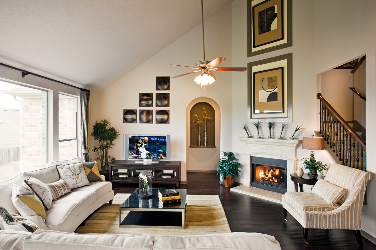 Buffington signature homes opens new model home in round for Buffington homes