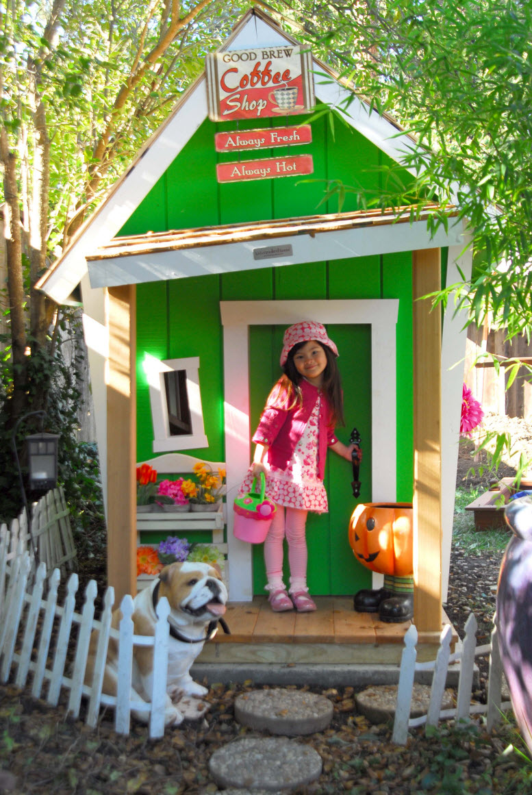 Kids crooked house raising the roof for children 39 s charities for Casitas infantiles para jardin