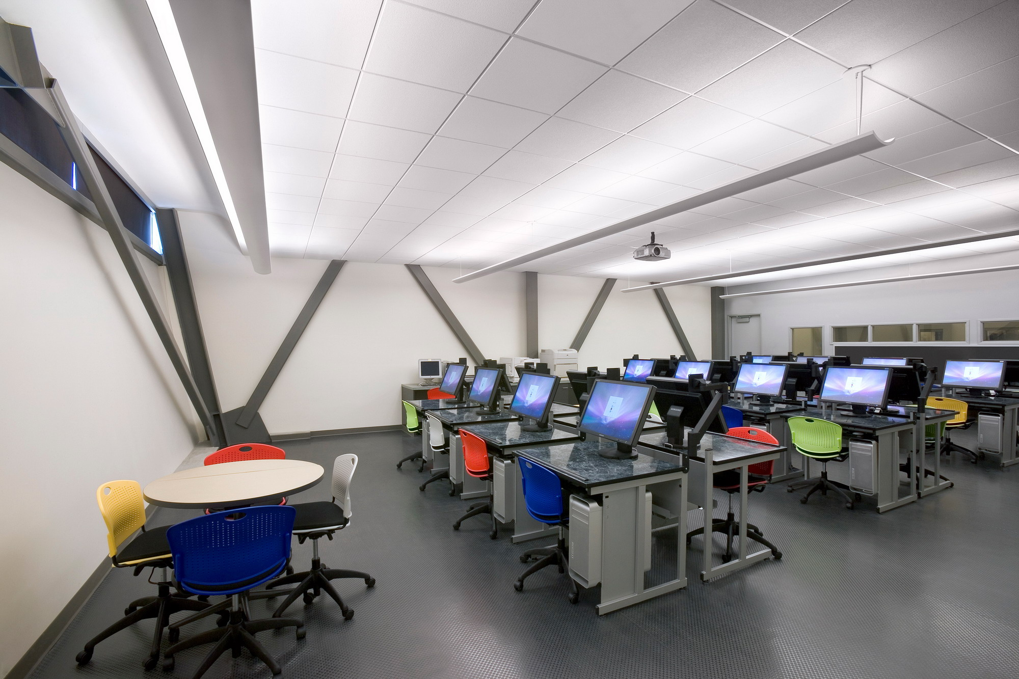 Institute Of Interior Design Part - 17: A Computer Lab At The Technology Center At Mt. San Jacinto College, Menifee.