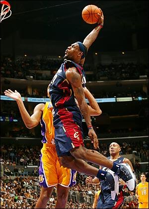 lebron james dunk contest