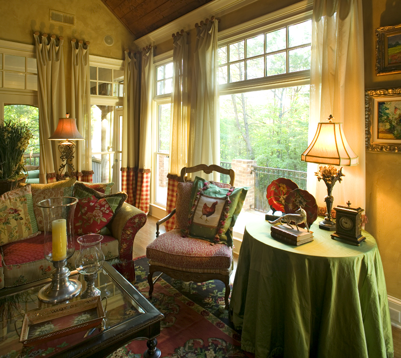 Country Living Room Decorating: Economy Downturn Has Homeowners Turning To Home Interior