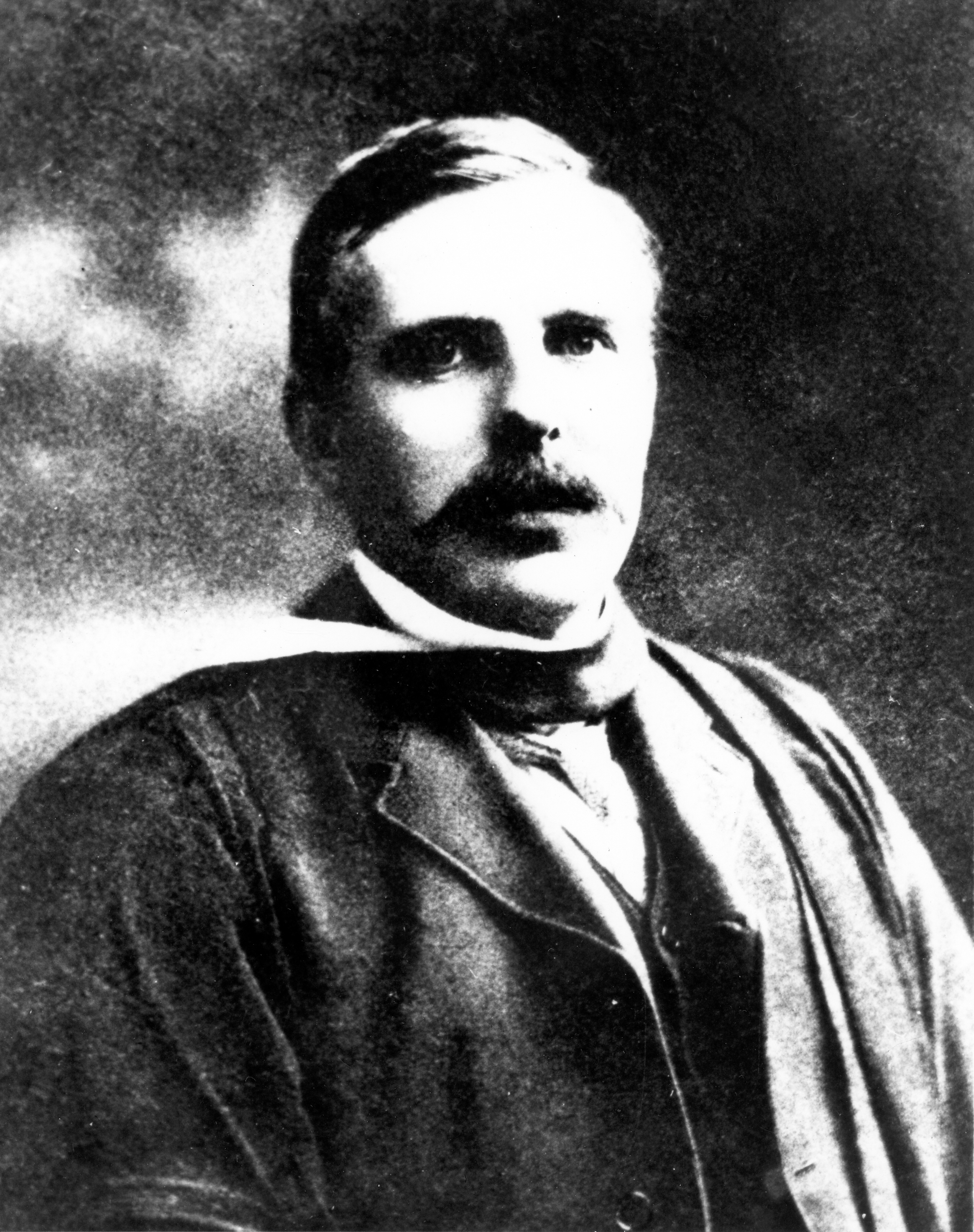 1911 | Ernest Rutherford