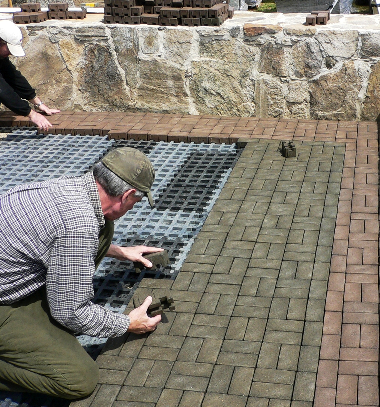 Great ... Pound Ridge Golf Club, Westchester, N.Y.VAST Composite Permeable Pavers  For A Patio