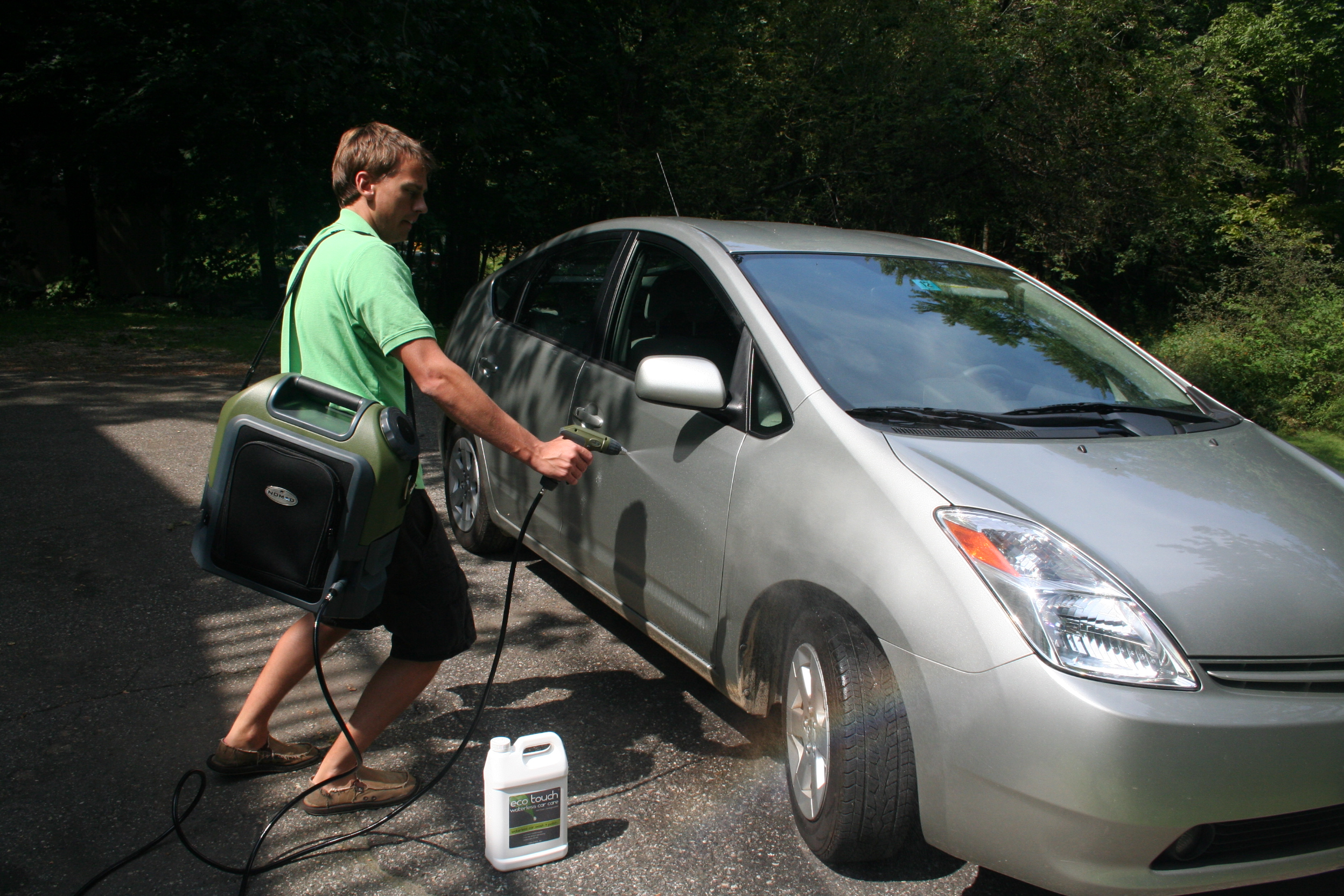 Eco Touch Introduces Innovative Portable Waterless Car