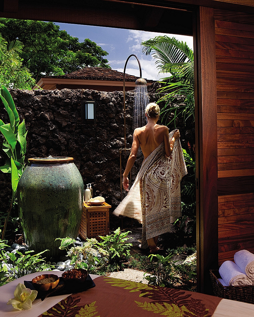 Four seasons resort hualalai awarded five stars by forbes for Garden salon