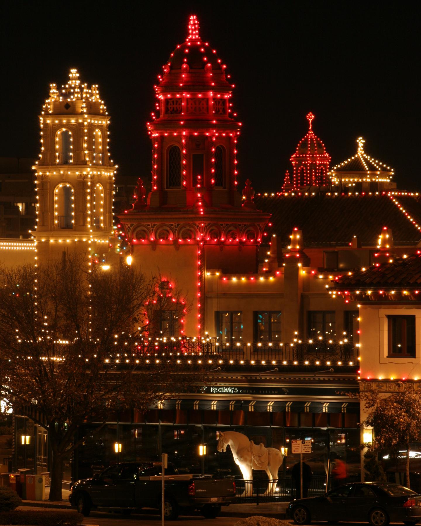 "Lighting Shop At Balestier Plaza: Unwrap A ""Season Of Magic"" With Kansas City's New Holiday"