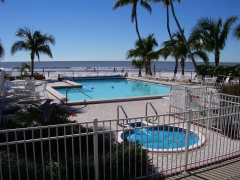 Hotels In Key West >> Hotels versus Vacation Rentals Trends for South West Florida Area Revealed by Rentalo.com