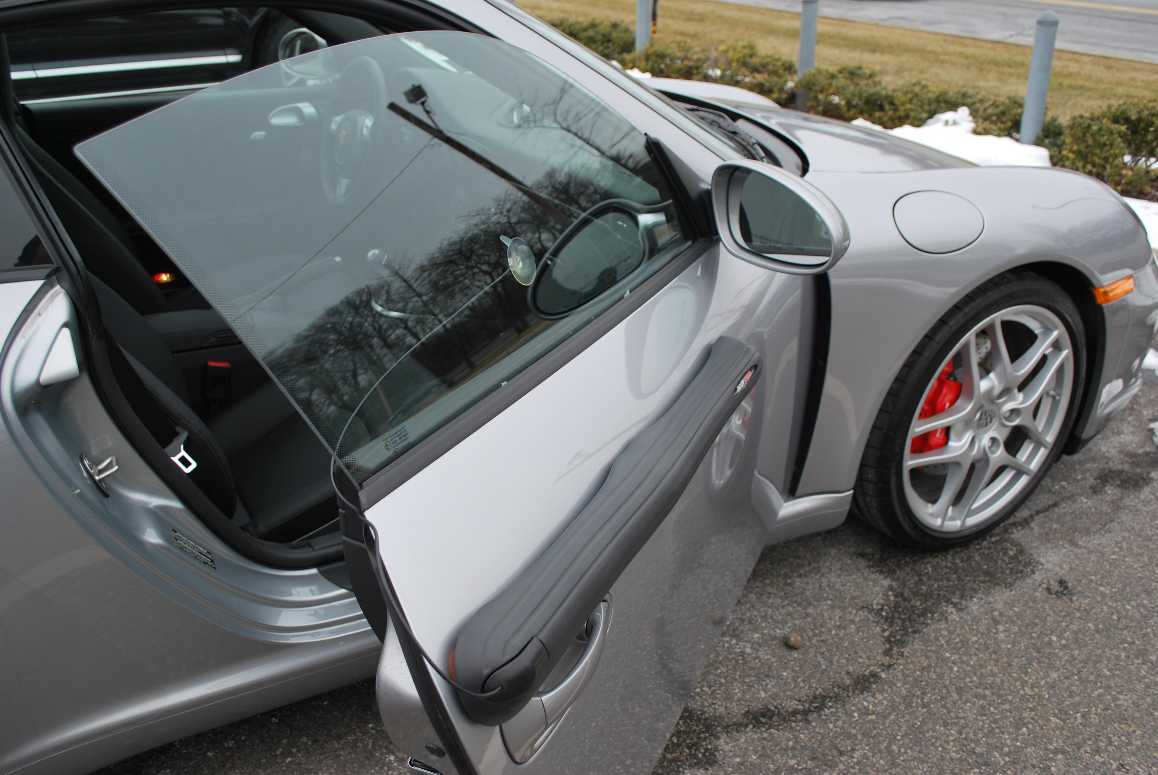 Removable Magnetic Car Door Protector Prevents Car Door
