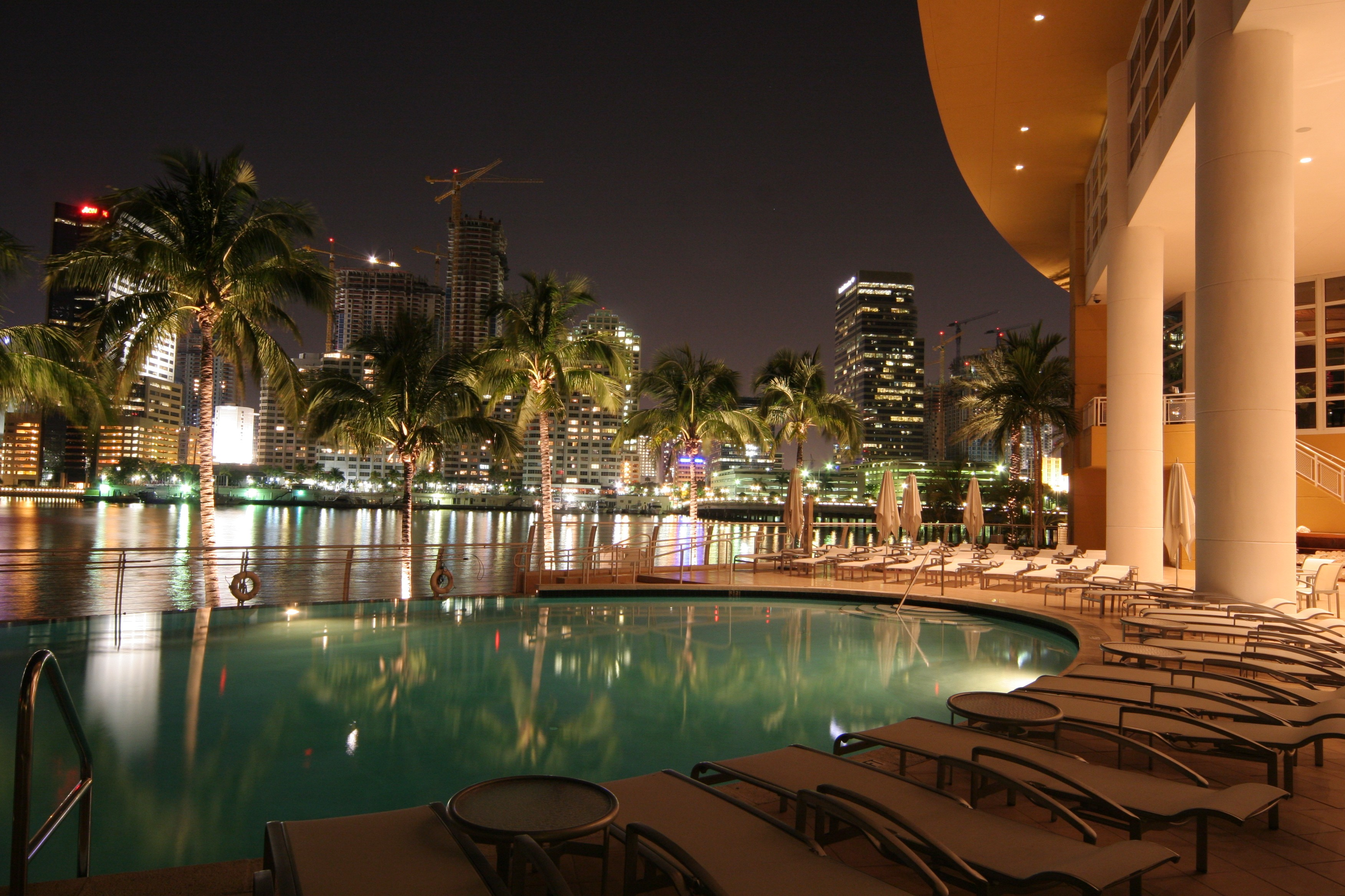 Celebrate Romance At Mandarin Orientals Hotels In Miami