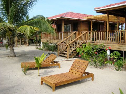belize vacation trends and comparison shopping lodging alternatives
