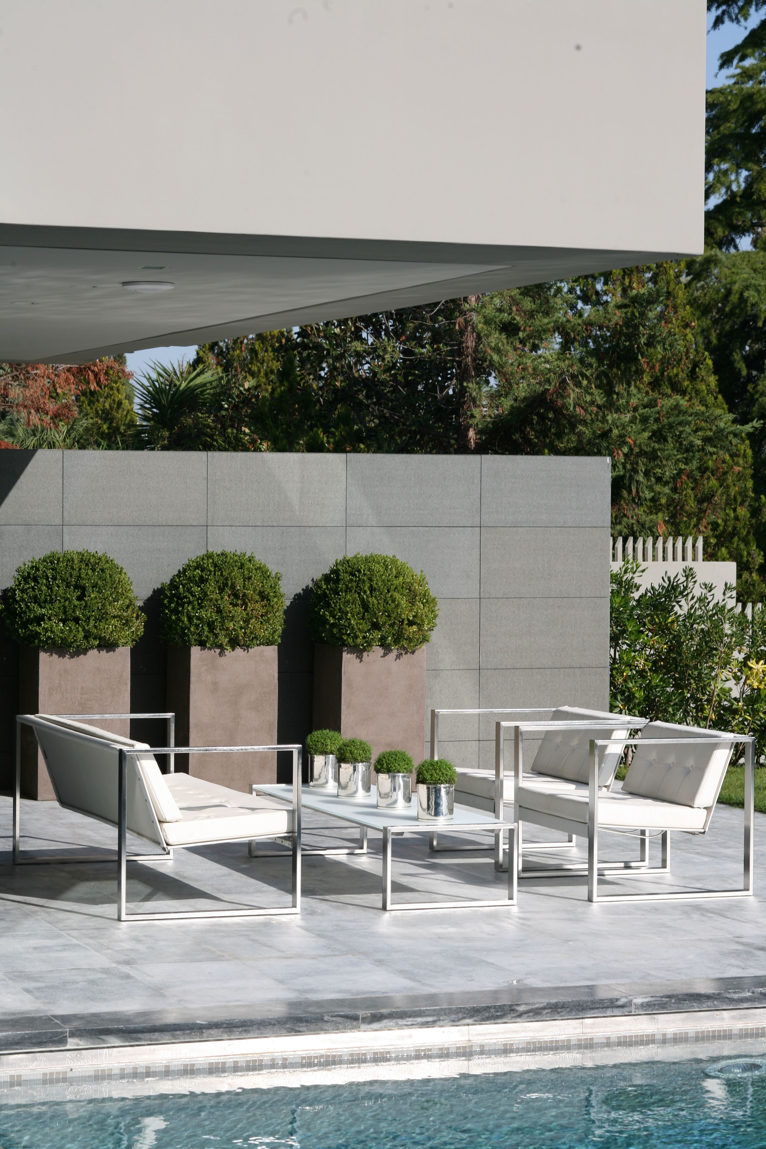 Encompass Furniture - New Products Spring 2010 - Modern Garden ...