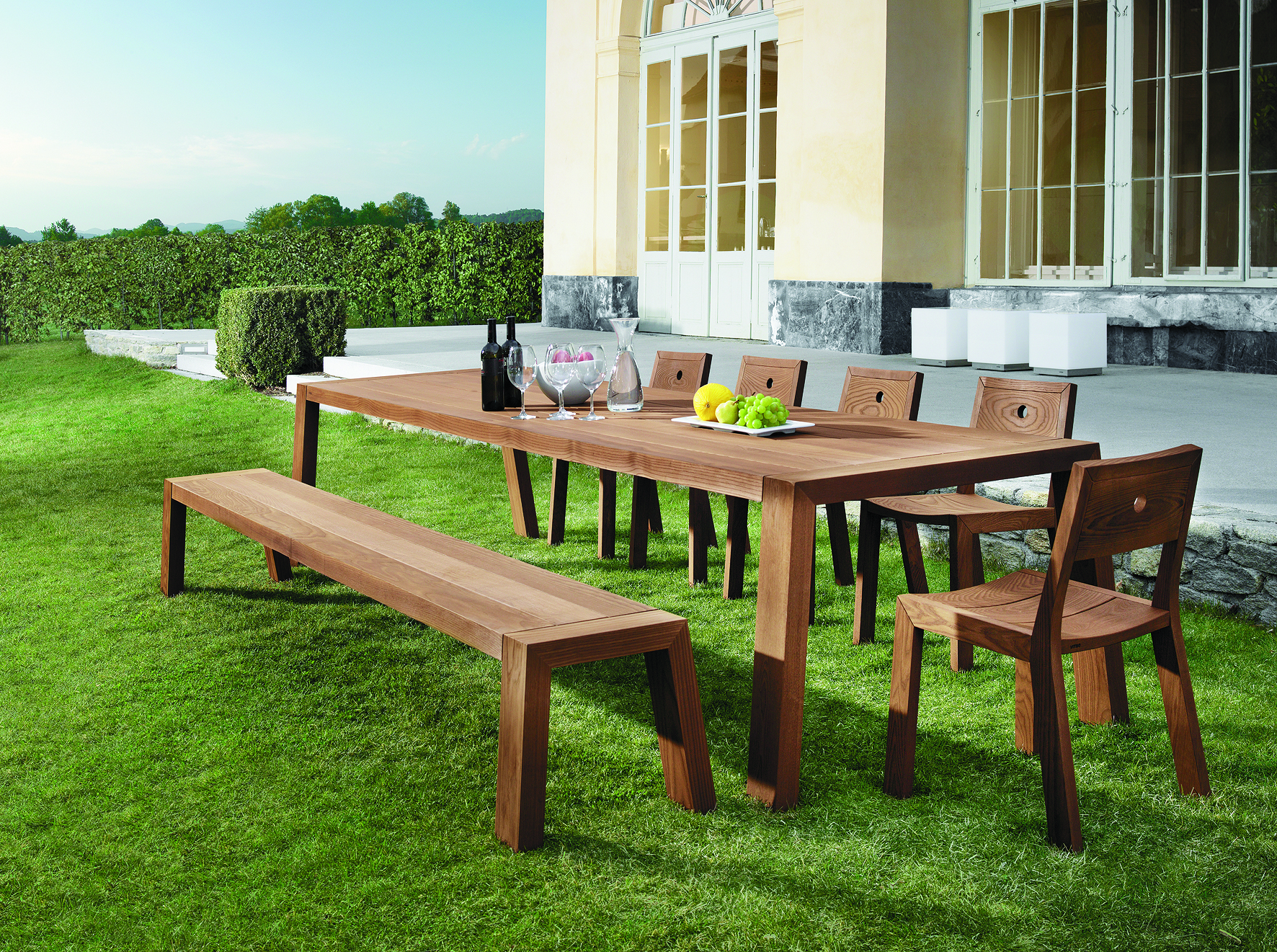 Solo Modern Garden Furniture By ViteoSolo By Viteo From Encompass. Quirky Modern  Design Garden Tables, Benches, Carver Chairs In FSC Iroko Or Teak.