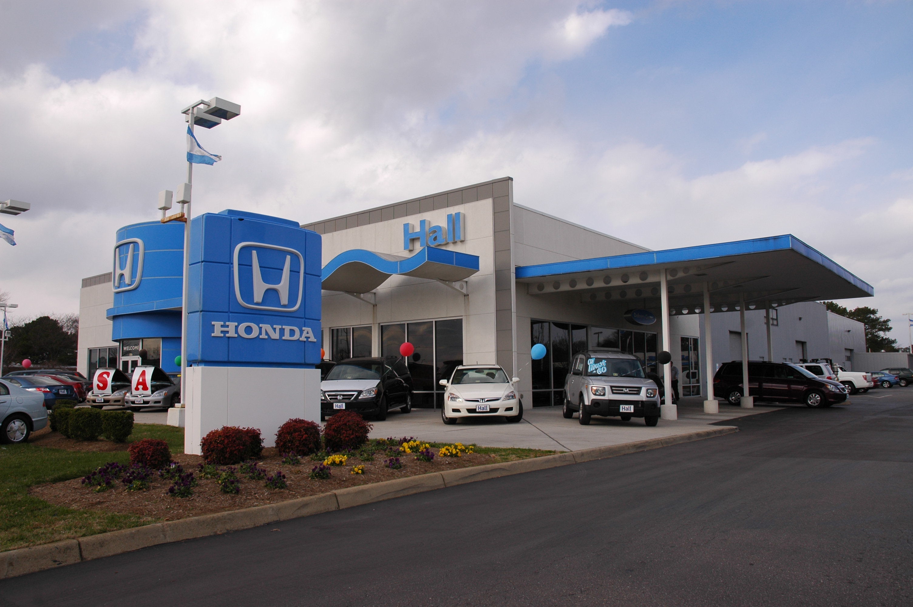 Honda Virginia Beach >> Five Honda Sales Consultants at Hall Honda Virginia Beach ...