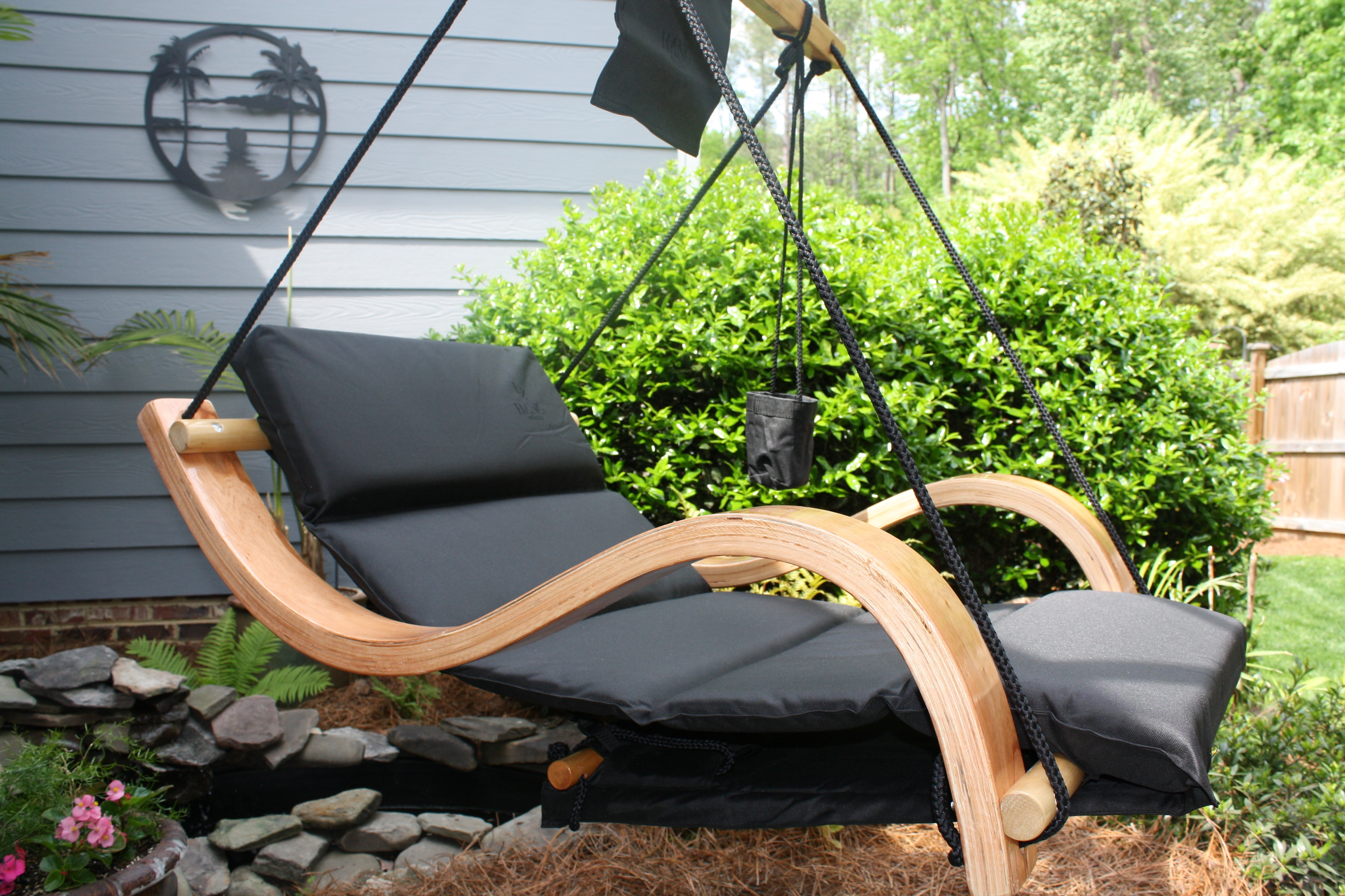 Belgian chairs delivers unique 39 portable 39 luxury chair for Hanging chair spring