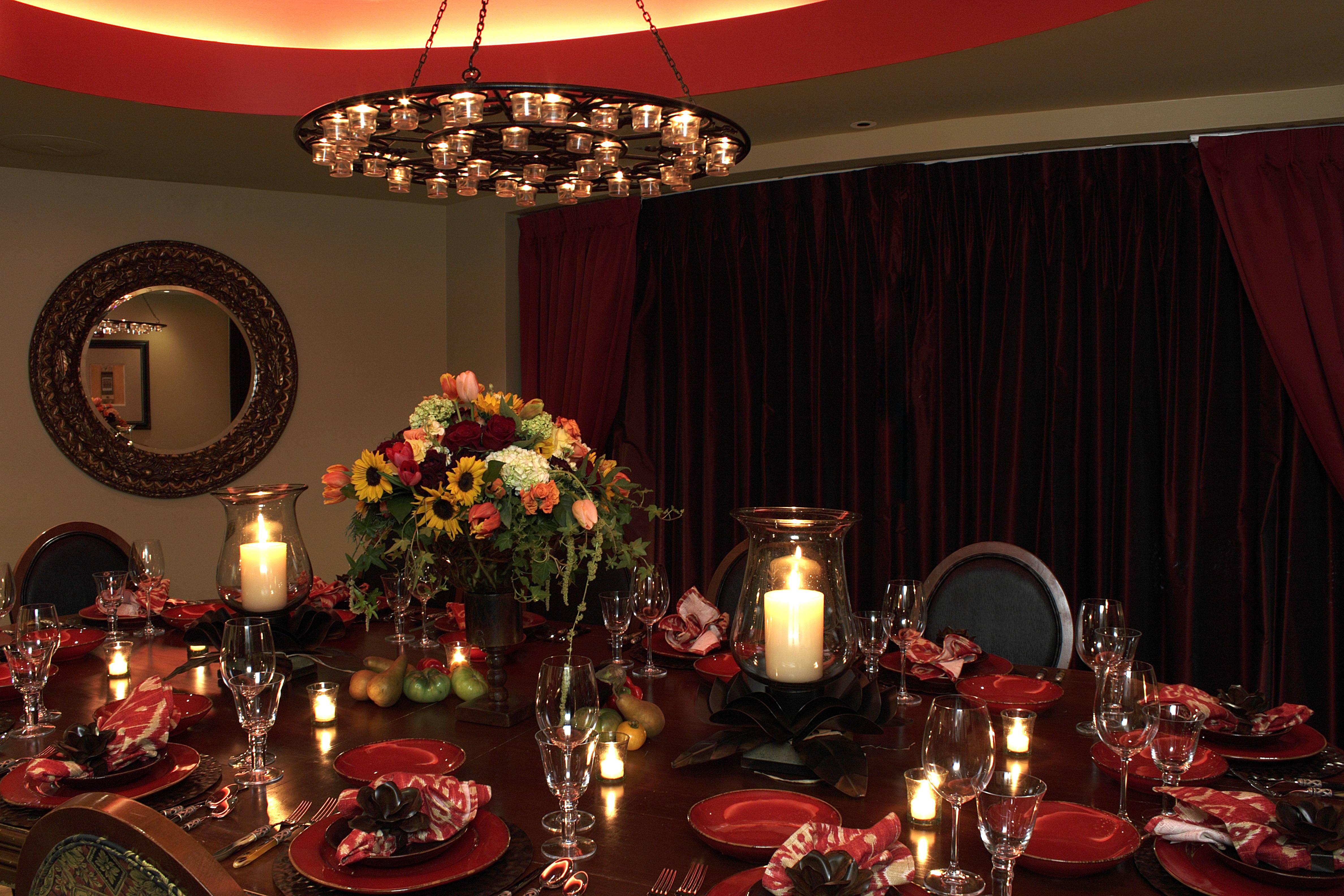 10 Karat Decadent Dinner Party Sets The Stage For Perfect