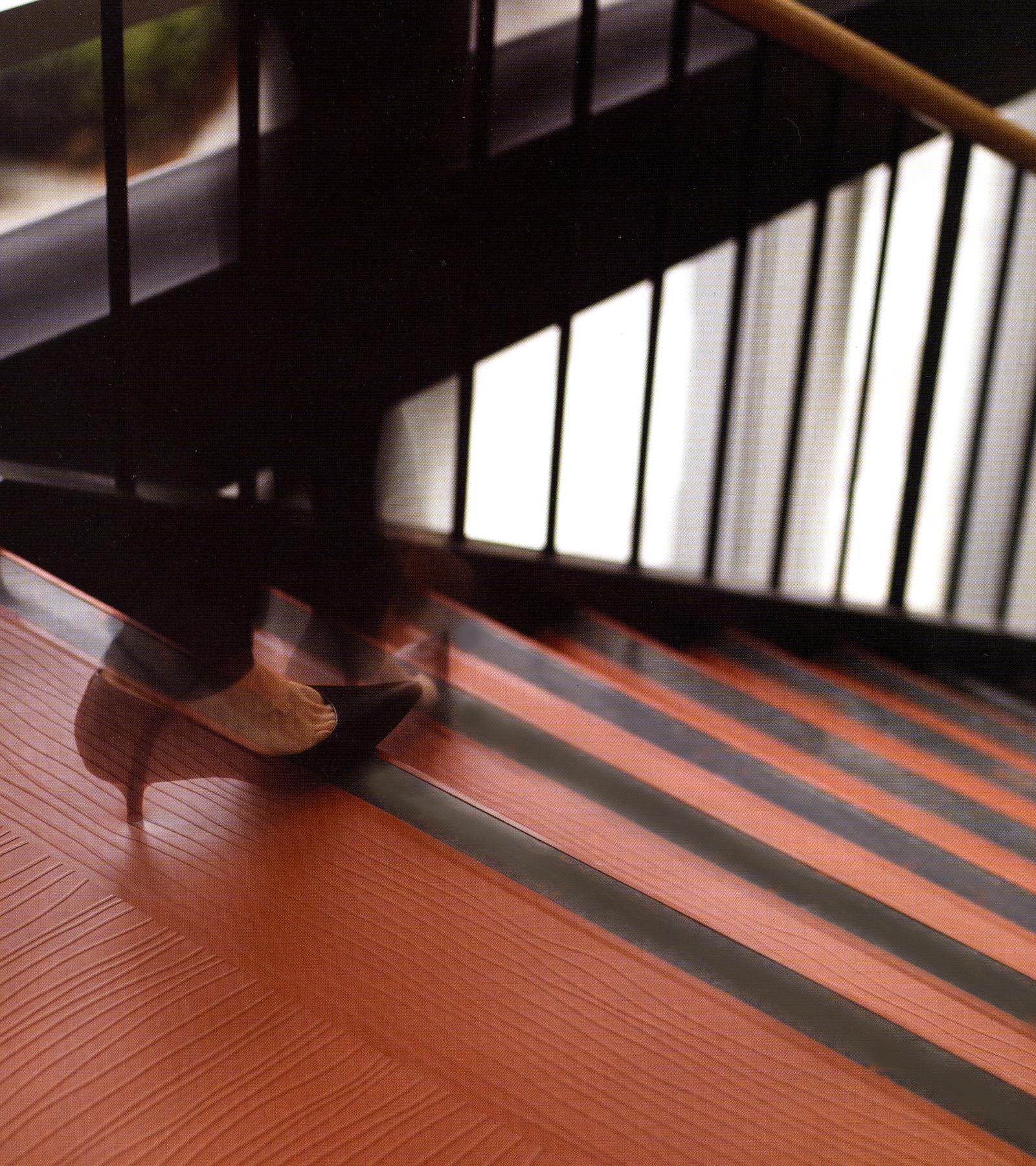 New Anti Slip Grit Tape For Safer Vinyl And Rubber Stair
