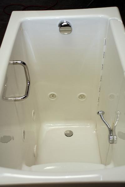 Captivating ... Interior Of The Olivia Walk In Bathtub ...