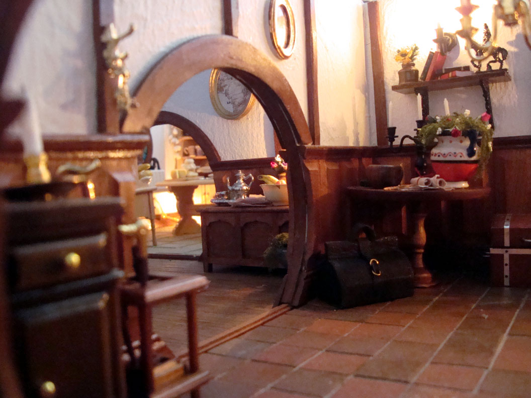 The Dolls House Emporium Brings Some Miniature Middle