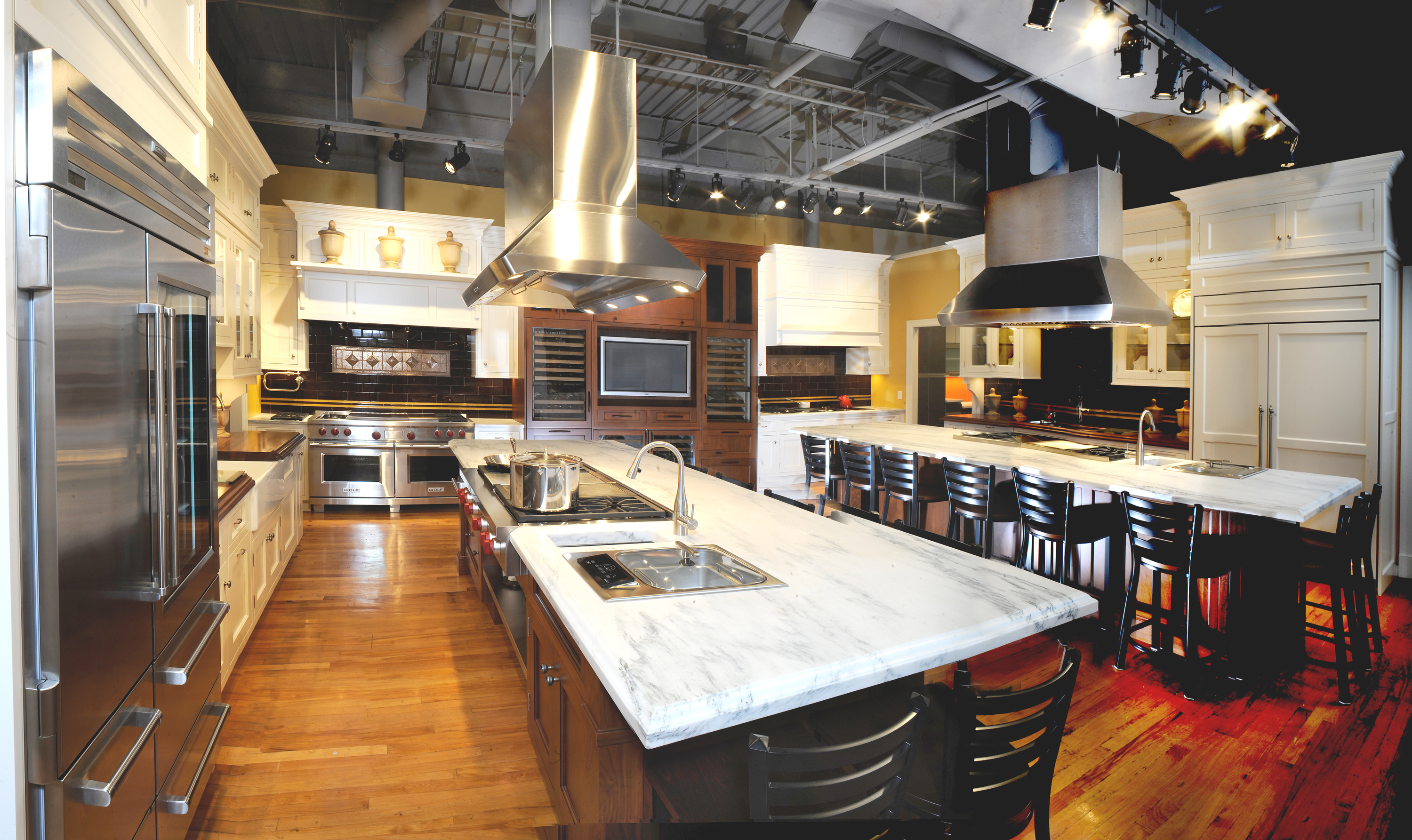 Sub Zero Wolf Appliance Showrooms Host Two Great 2010 Food Events