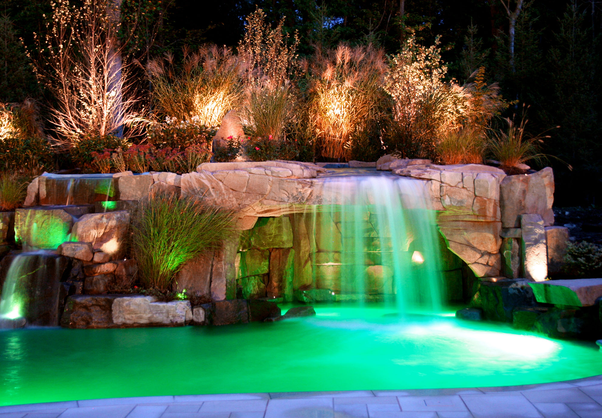 Great Back Yard Swimming Pools with Waterfalls 2000 x 1390 · 629 kB · jpeg