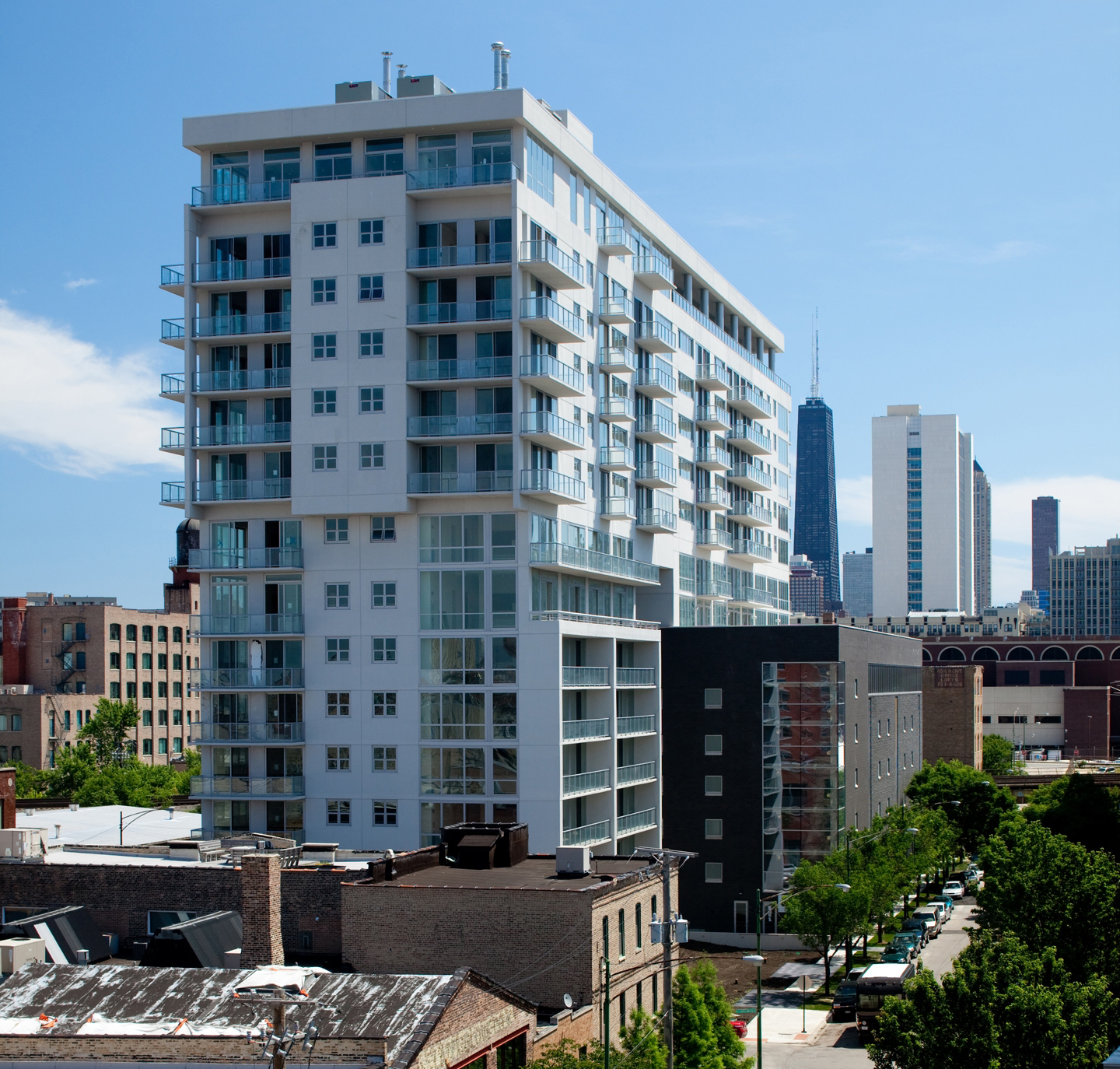Mondial New Construction Condominiums In Downtown Chicago Offer High End Fini