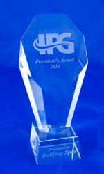 Hot tub manufacturer wins prestigious president s award for Ipg pool show