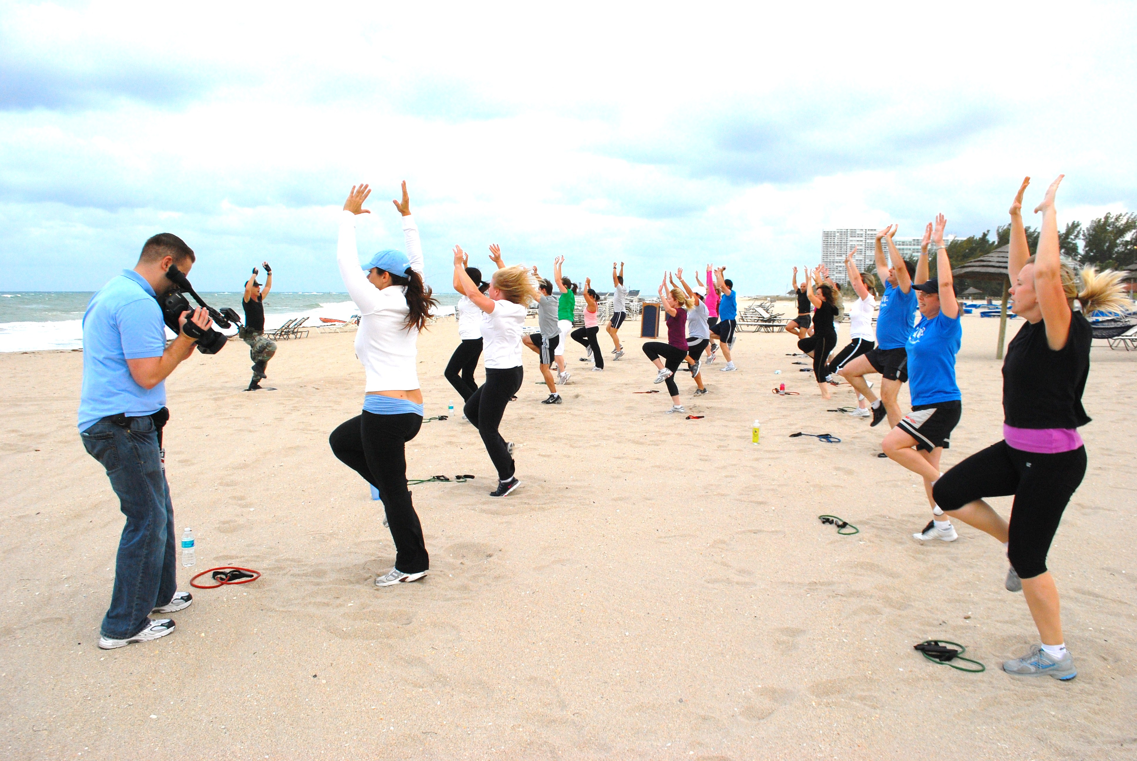 Colonel Bobs Beach Boot Camp Fort Lauderdale Fllt Col Bob Weinstein Ret Takes His Beach Boot Camp Class At The Harbor Beach Marriott On Fort