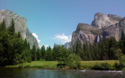 Yosemite's scenic Valley View. www.YosemiteThisYear.com